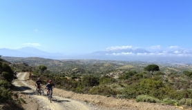 agiofaraggo mountain bike tour Crete view of psiloritis
