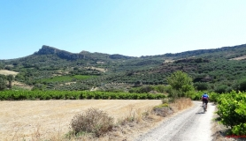 avgerinos Rocca mountainbike tour of Crete crops