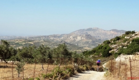 avgerinos Rocca mountainbike tour of Crete from Douli to Kalos view of Giouchtas mountain