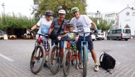 family at mochos- cyclingcreta bike rentals Crete guided tours
