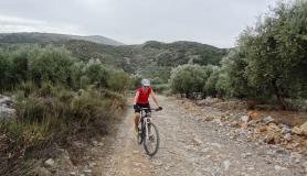 minoan route cyclingcreta mamas-min