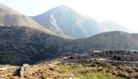 small shelter near Monokara