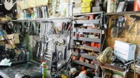 work bench Moraitis bike shop