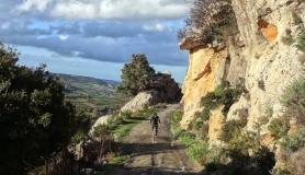 stone village bike tour Agios Thomas header img