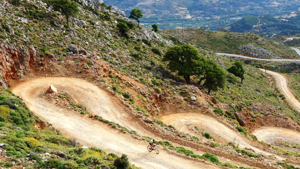 crete-has-the best dirt-roads-for-mountain-bike