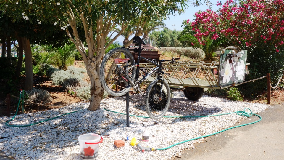 cyclingcretabike wash at Lyttos beach bikes and sports hotel crete kreta