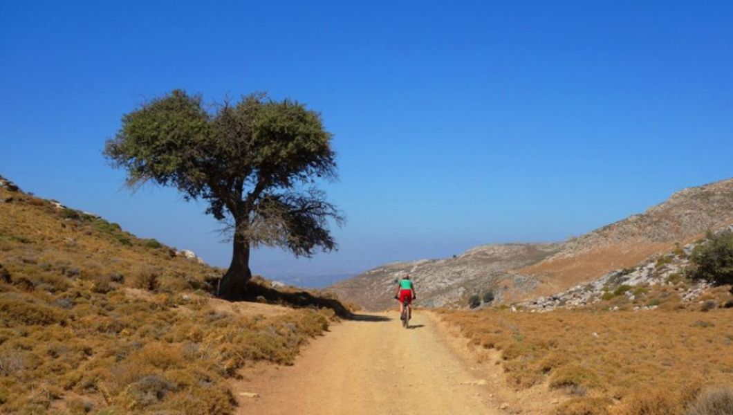 august-vs-january-the-best-month-for-cycling-in-crete-min-1