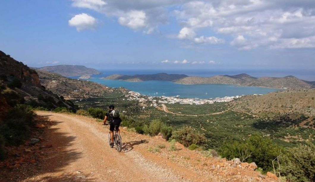may-vs-march-the-best-month-for-cycling-in-crete-min-1