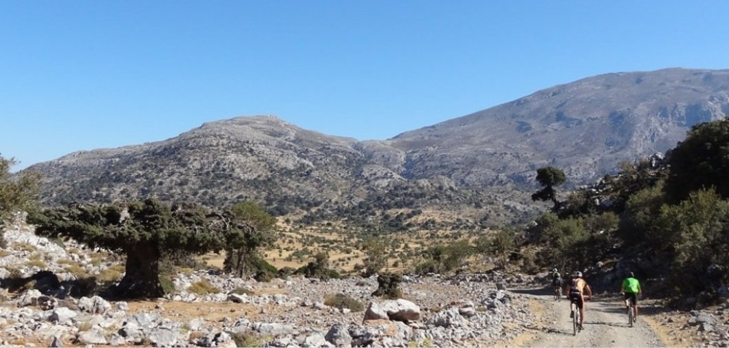 katharo-winter-summarthe-best-month-for-cycling-in-crete-min-1