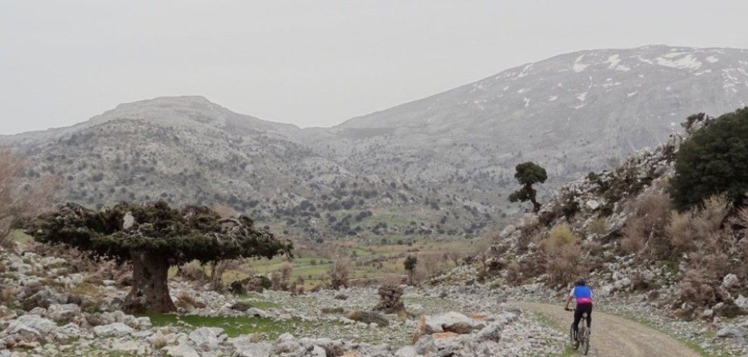 katharo-winter-summarthe-best-month-for-cycling-in-crete-min-2