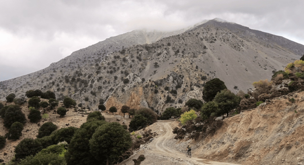 spitaki-omalos-the-best-month-for-cycling-in-crete-min-2