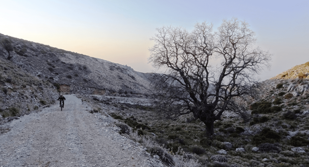 winter-summer-the-best-month-for-cycling-in-crete-min-2