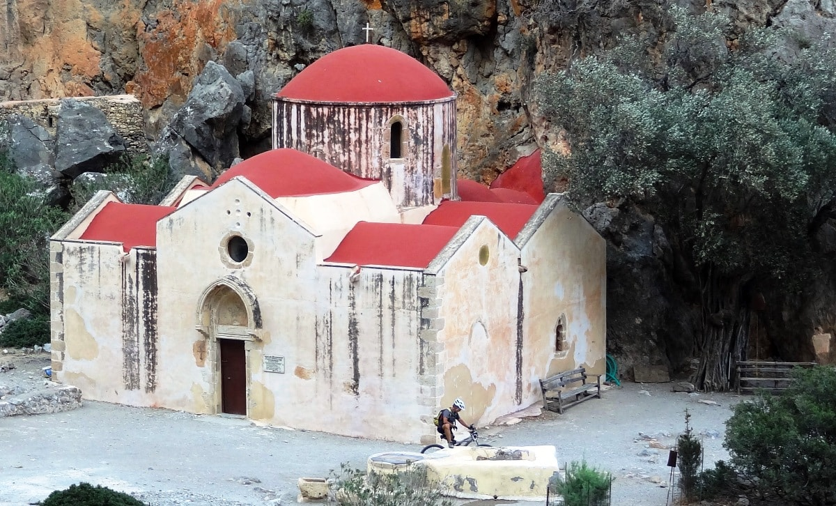 Agios Antonios church in Agiofarago-min