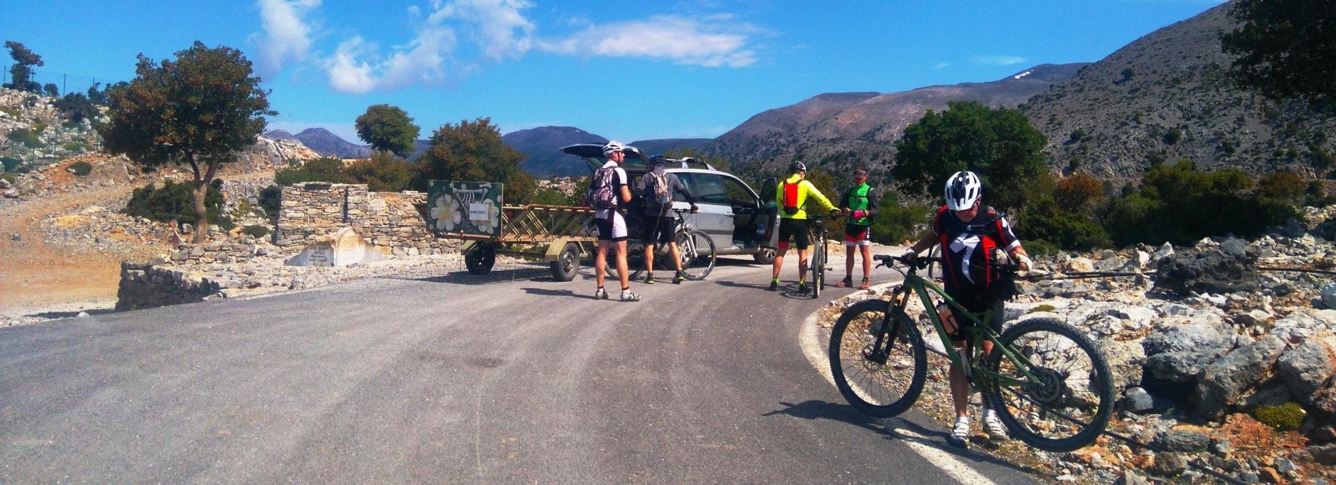 diplori car trailer and cyclists rouvas psiloritis crete