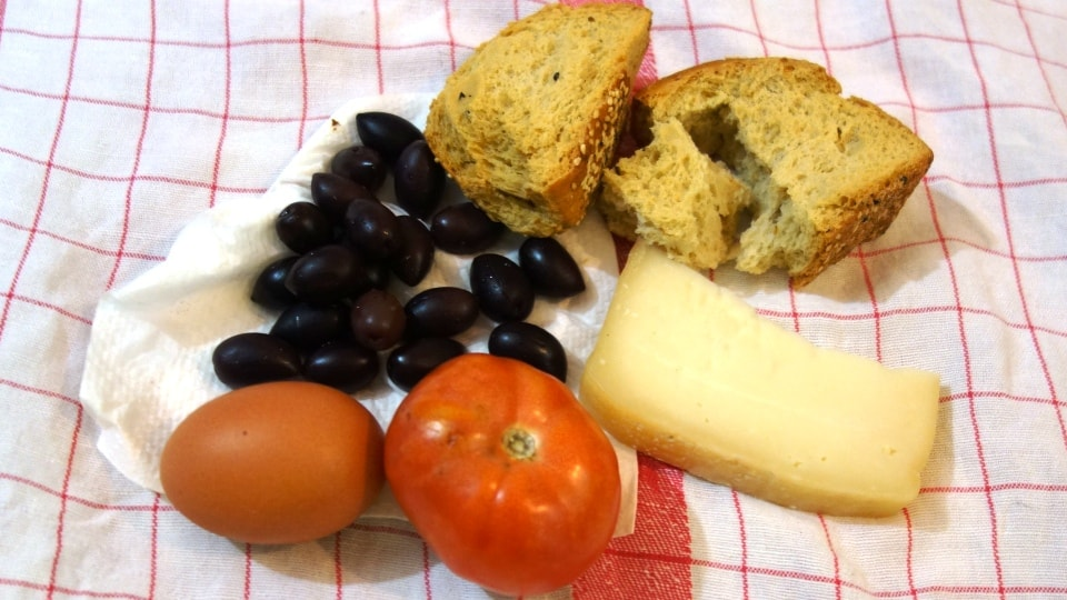 cretan traditional pic nic rusks tomatoes eggs olives cheese