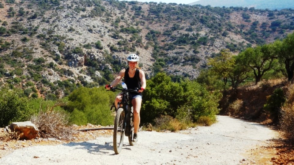 aposelemis-ebike-tour-crete-no-uphill-is-difficult-for-an-ebike