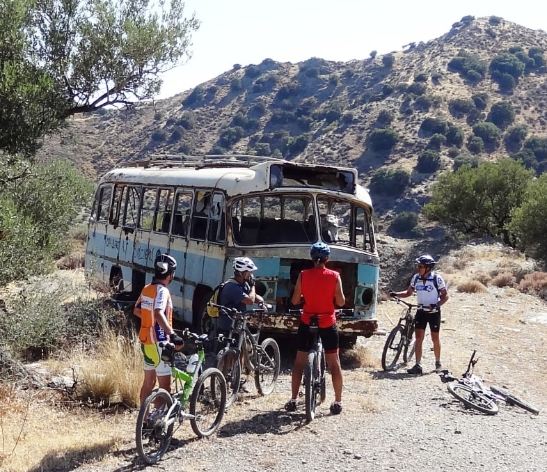 bike tours shuttle service pickup and dropoff in hersonisos Analipsi Malia stalida Stalis Heraklion Gouves Ghouves Crete Greece-min