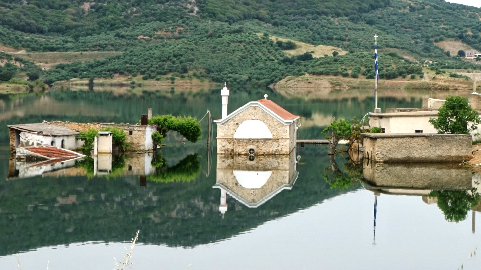 feature img sfendilli village Crete the new Atlantis of Aposelemis lake-min