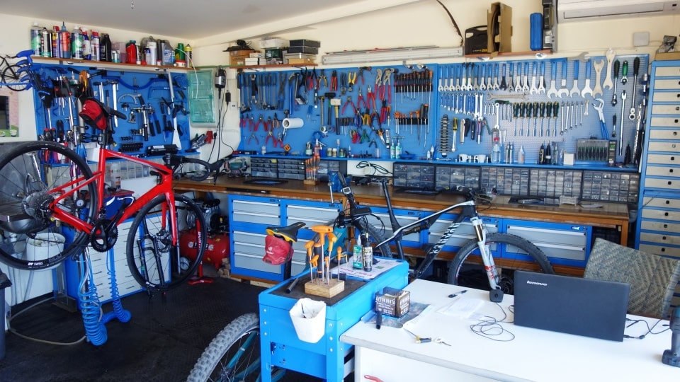 fully equiped bike workshop lyttos beach sports hotel Crete Greece Europe cycling bike triathlon tennis spa fully eqiped fitness studio bampel area-min-min