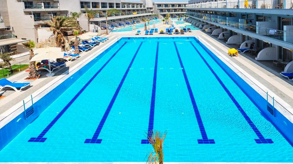 lyttos-beach-waterpolo-pool-side-view-min