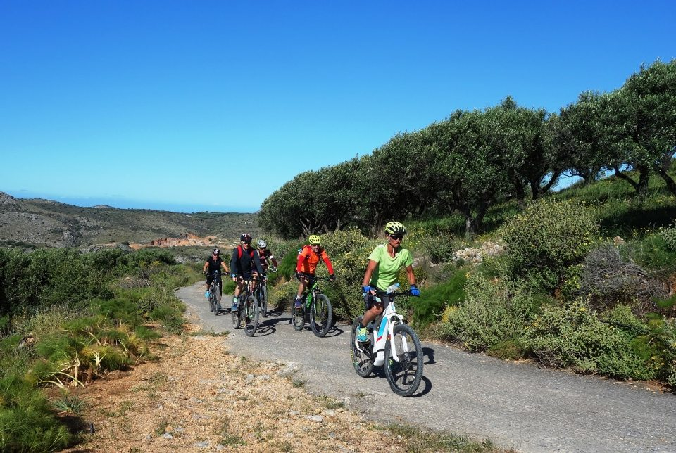 afternoon ebike tour Crete Kreta 3 hours easy bike tour the cool temperatures of the uphill to the small traditional village-min-min