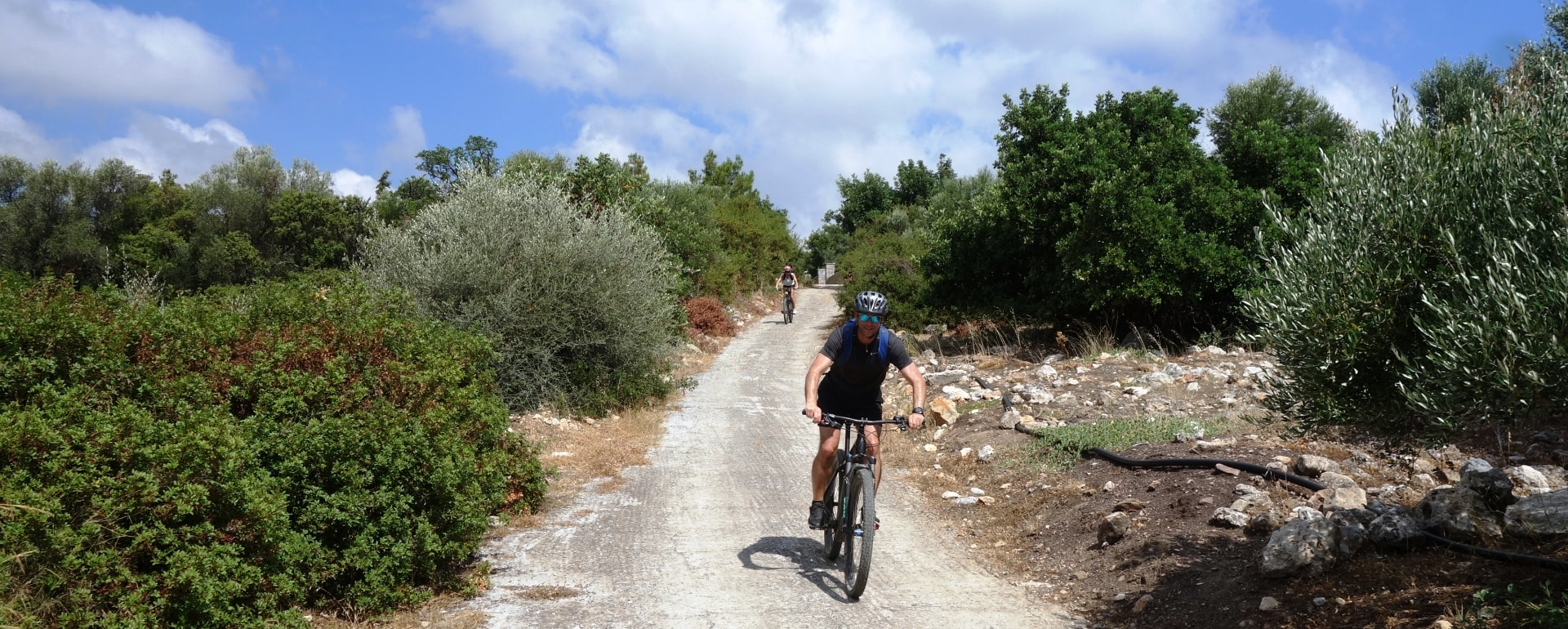 Lagoon ebike tour Crete Hersonissos Malia Stalis Analipsi Gouves Cube reaction bikes-after the church stop-min