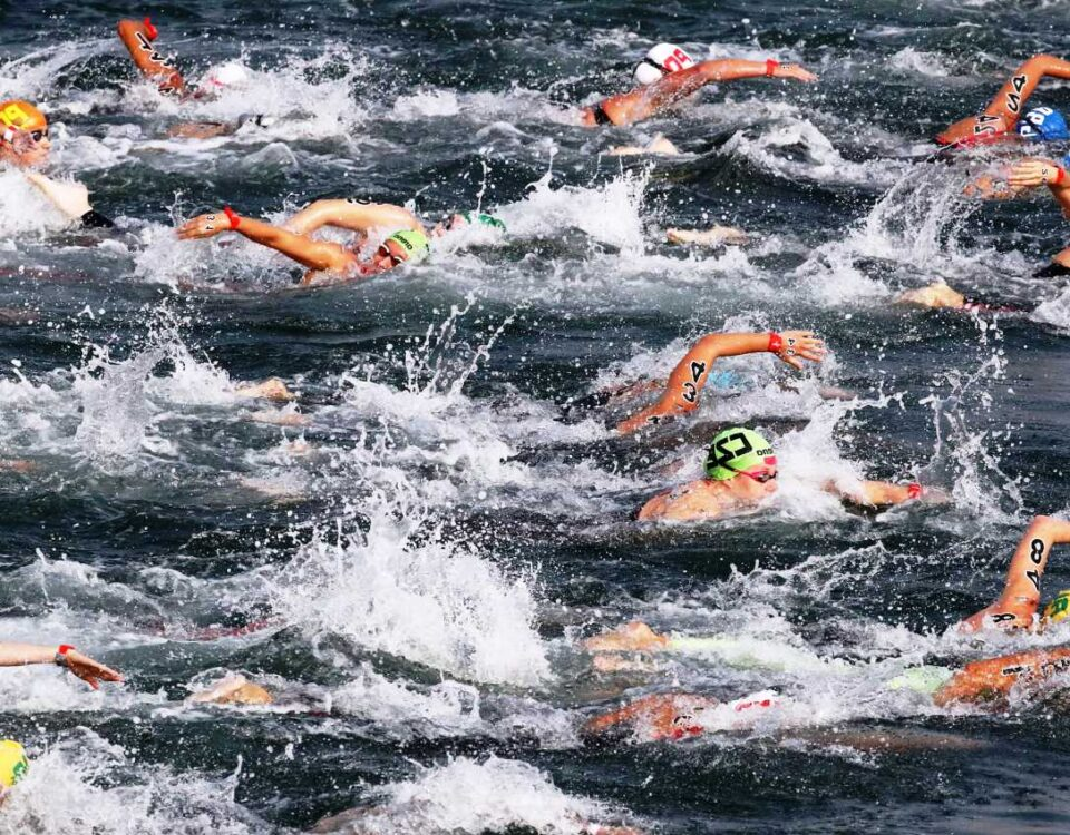 open water triathlon swimming-min